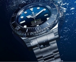 Rolex-Deepsea-Sea-Dweller-D-Blue-Edition-water-shot-620x504