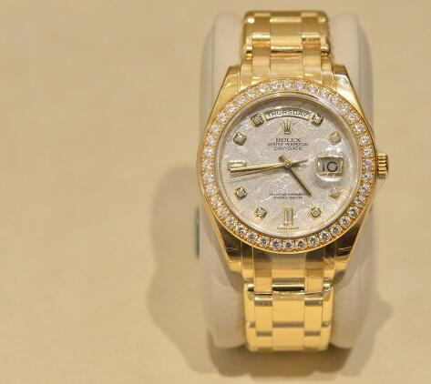 Rolex gold replica watches arrive